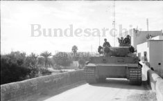 Tiger 112 on the Jedeida bridge