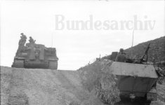 Operation Eilbote : Tiger 142 enters the pass