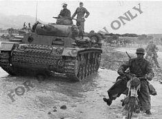 Motorbike and Panzer in Oued Maarouf