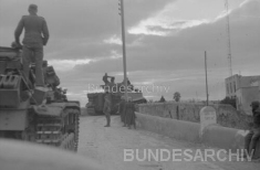 Tiger 223 on the Jedeida bridge