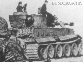 """Early Production"" Tiger Nr. 313 with its distinct turret bin"